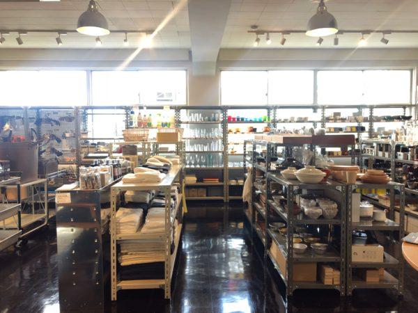 ノスタルジックな光に溢れるショップ/D&DEPARTMENT TOKYO