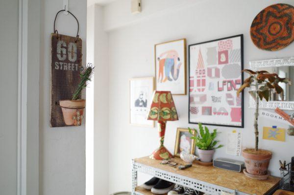 【植物を壁に飾る】ユーフォルビア・紅彩ロリカ